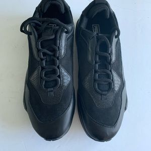 Men's casual Puma Black leather shoes size 10 1/2